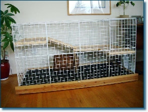 Flexible modular wire storage boxes can be built as an indoor pet rabbit pen